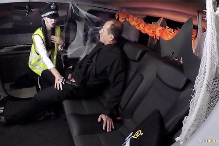 FUCKED IN TRAFFIC - BRITISH BABE JASMINE JAE PLAYS THE POLICE WOMAN, FUCKS IN A CAR DECORATED FOR HALLOWEEN