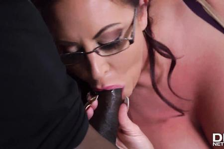 Huge Tited MILF Takes Black Cock