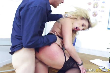 Mature blonde pornstar Brittany Bardot gets fucked by her student